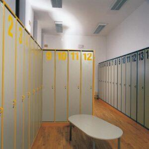 Garderobni ormarić, vrata s bravom s tri ili četiri gardrobna mjesta G5-1